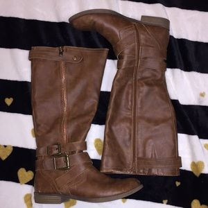 Falls creek size 9 brown boots